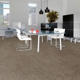 rolo de carpete escritório