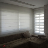 colocação de cortina de rolo para sala Chácara Klabin