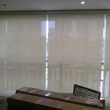 colocação de cortina rolo sala Barro Branco