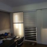 cortina persiana rolo sala Barro Branco