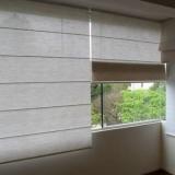 cortina romana para quarto de casal